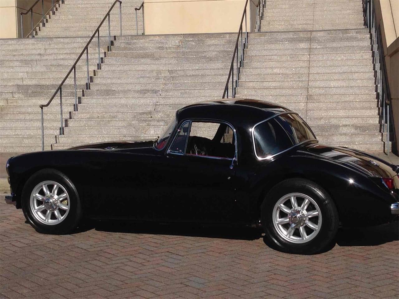 Large Picture of '58 MGA - Q8K6