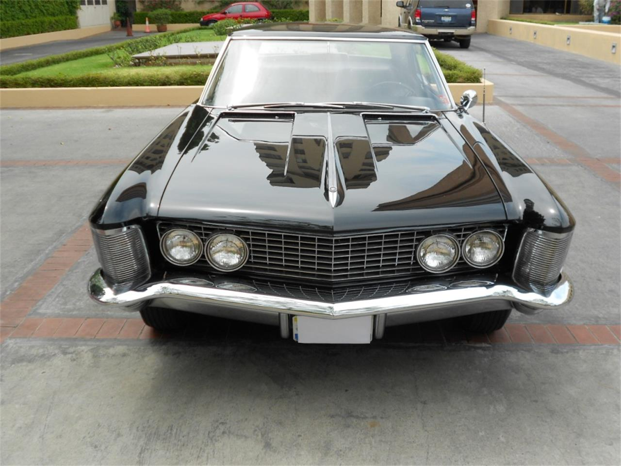 Large Picture of Classic '63 Riviera - $25,000.00 - Q8L8
