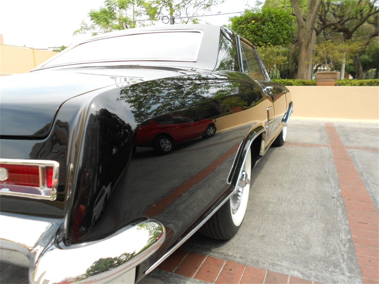 Large Picture of '63 Buick Riviera - $25,000.00 - Q8L8