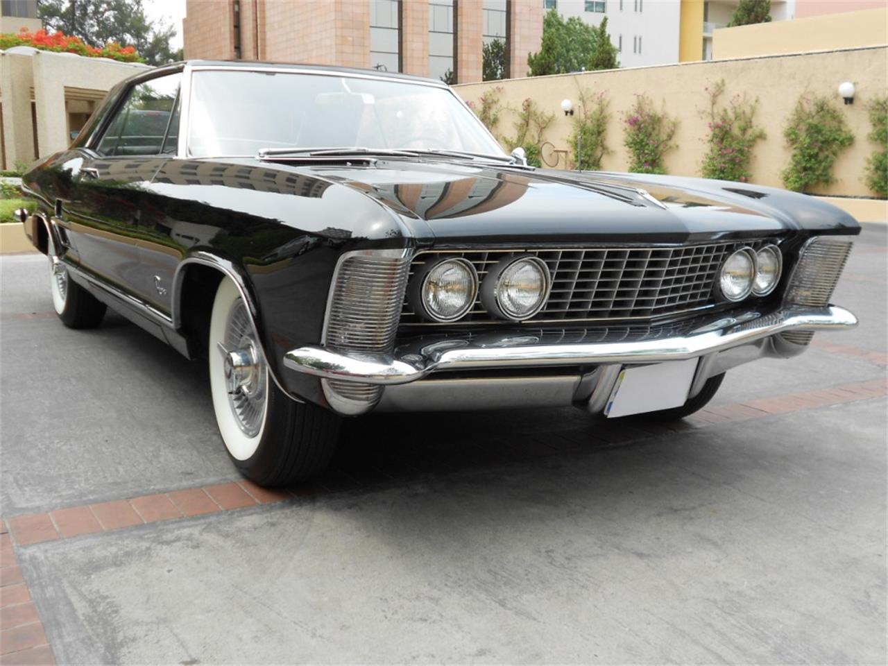Large Picture of Classic '63 Buick Riviera - $25,000.00 Offered by a Private Seller - Q8L8