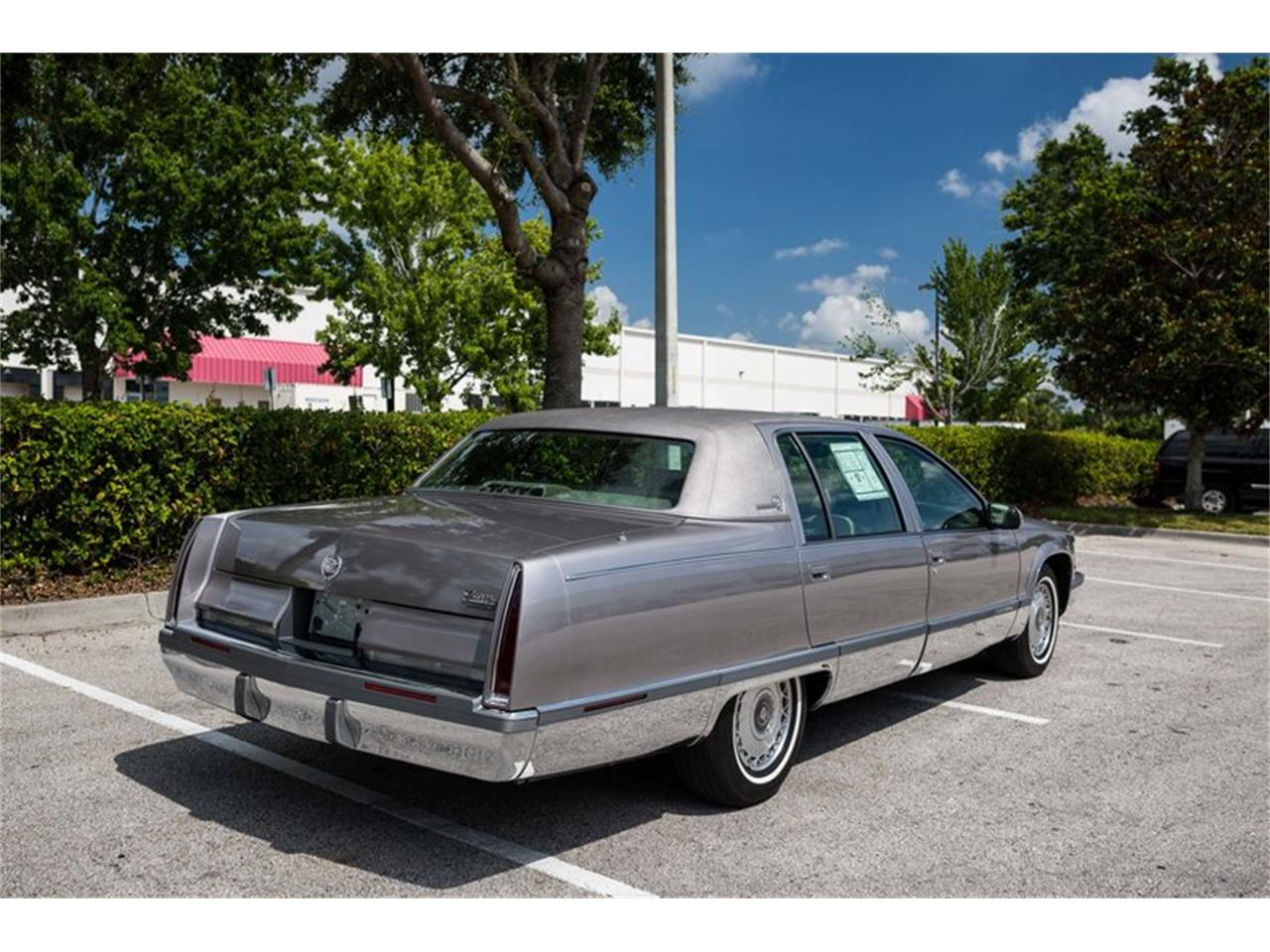 Large Picture of '96 Fleetwood located in Florida - Q8PS