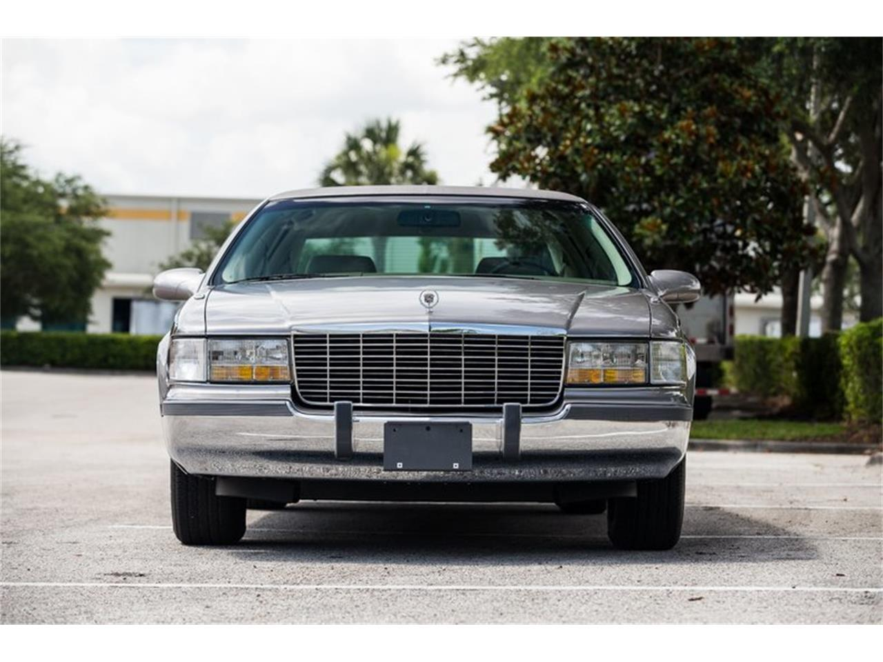 Large Picture of '96 Fleetwood located in Florida Offered by Orlando Classic Cars - Q8PS