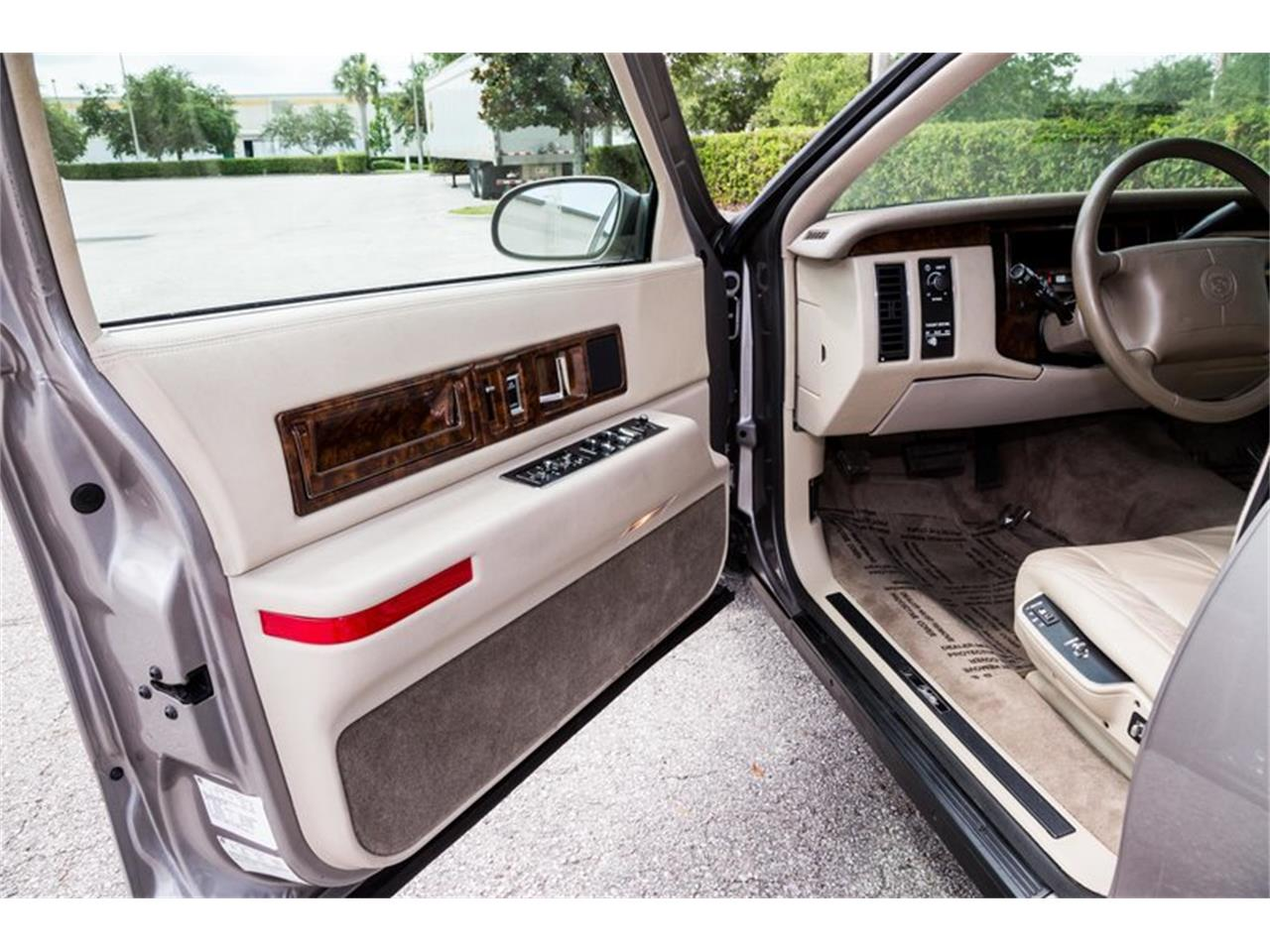 Large Picture of 1996 Cadillac Fleetwood located in Orlando Florida - $32,900.00 - Q8PS
