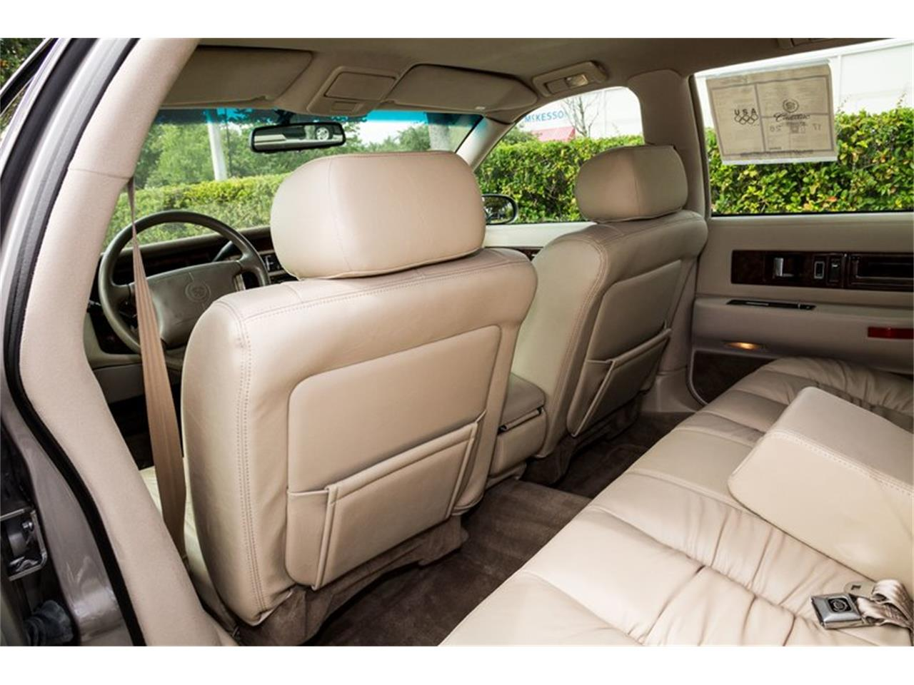 Large Picture of '96 Cadillac Fleetwood - $32,900.00 - Q8PS