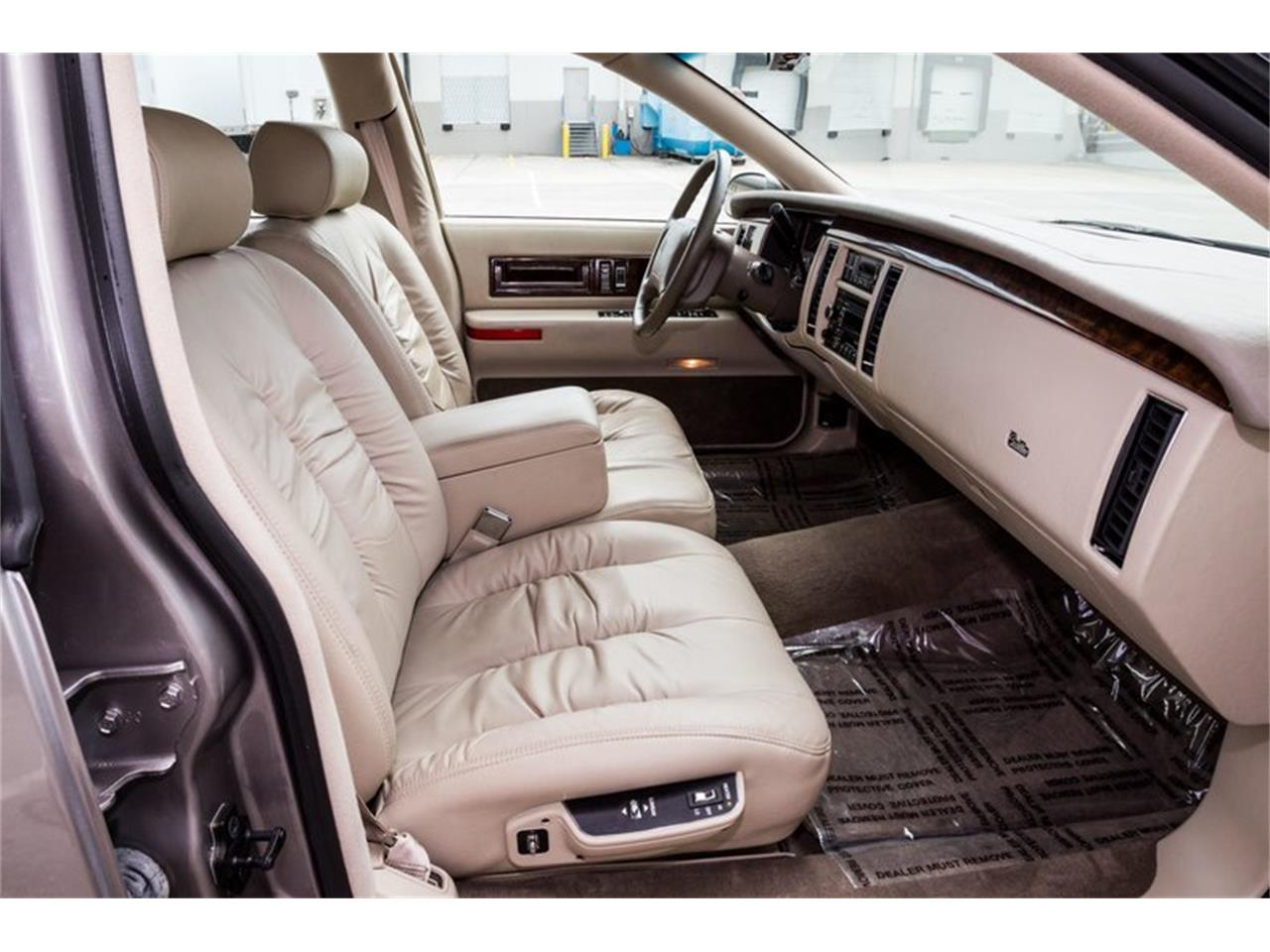 Large Picture of 1996 Fleetwood located in Florida - $32,900.00 Offered by Orlando Classic Cars - Q8PS