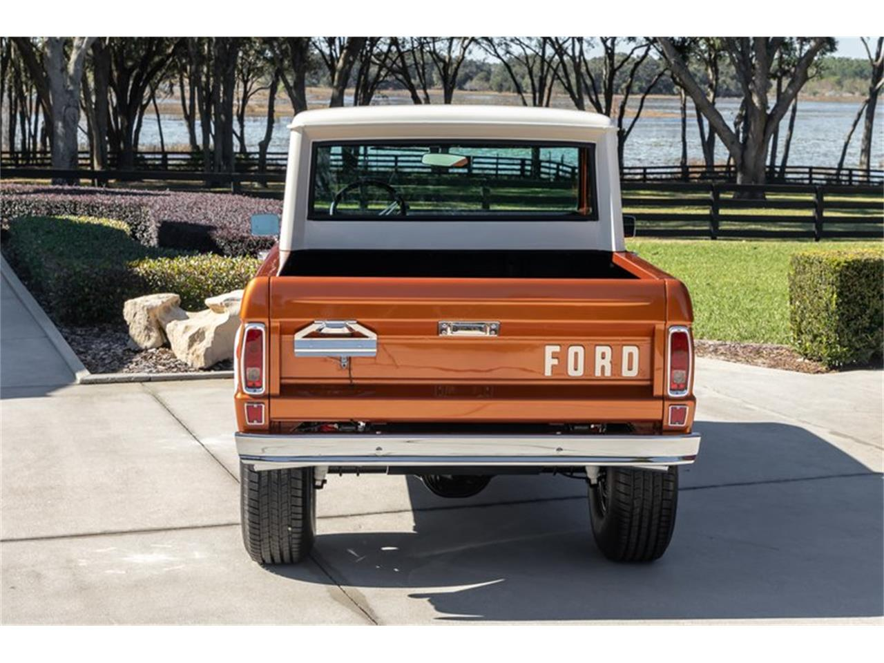 Large Picture of 1976 Ford Bronco Offered by GAA Classic Cars Auctions - Q8U3
