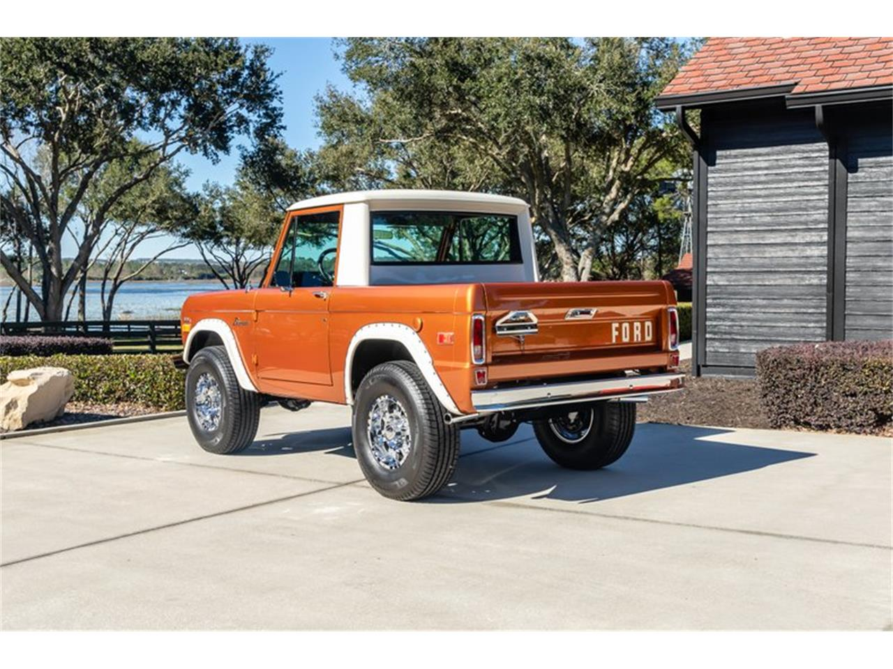 Large Picture of '76 Ford Bronco located in Greensboro North Carolina Auction Vehicle - Q8U3