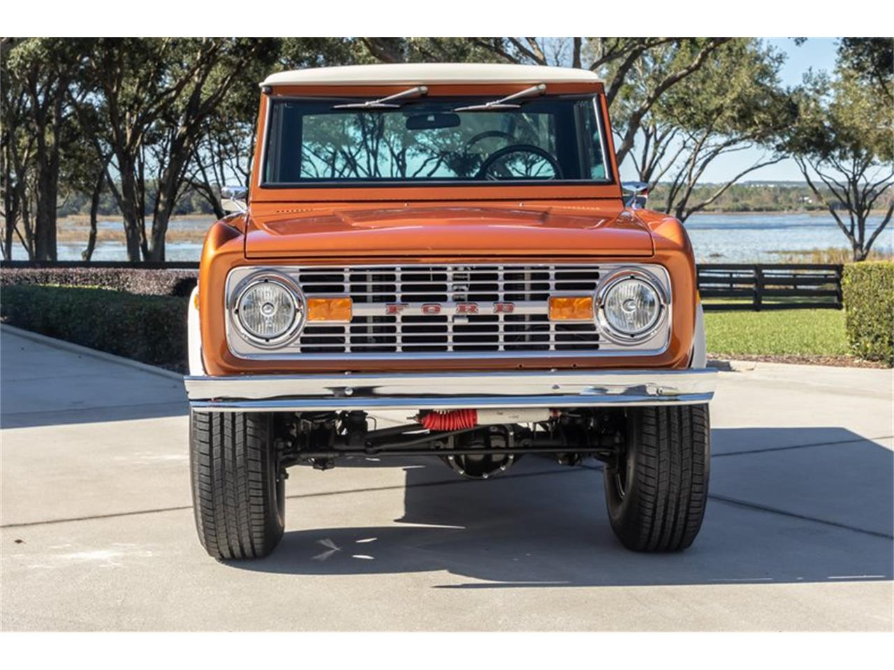Large Picture of '76 Ford Bronco located in North Carolina Offered by GAA Classic Cars Auctions - Q8U3