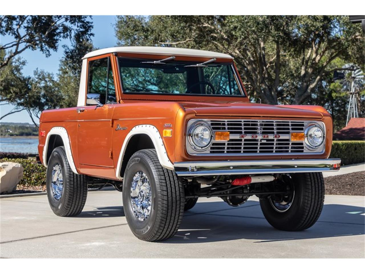 Large Picture of 1976 Bronco located in North Carolina Offered by GAA Classic Cars Auctions - Q8U3