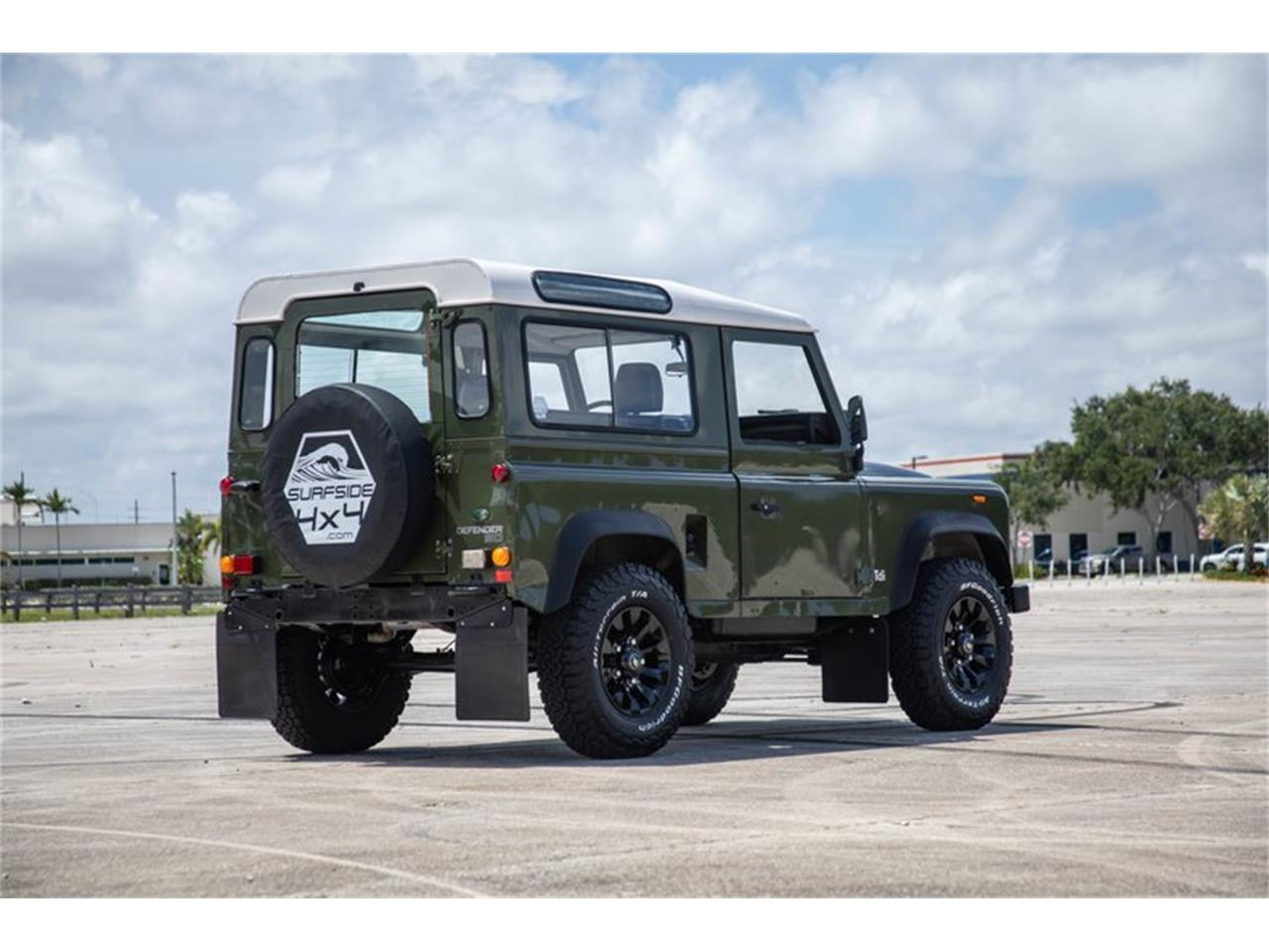 Large Picture of '91 Defender - Q5Q6