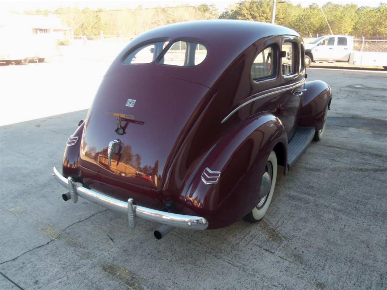 Large Picture of '40 Deluxe Auction Vehicle Offered by Vicari Auction - Q96I