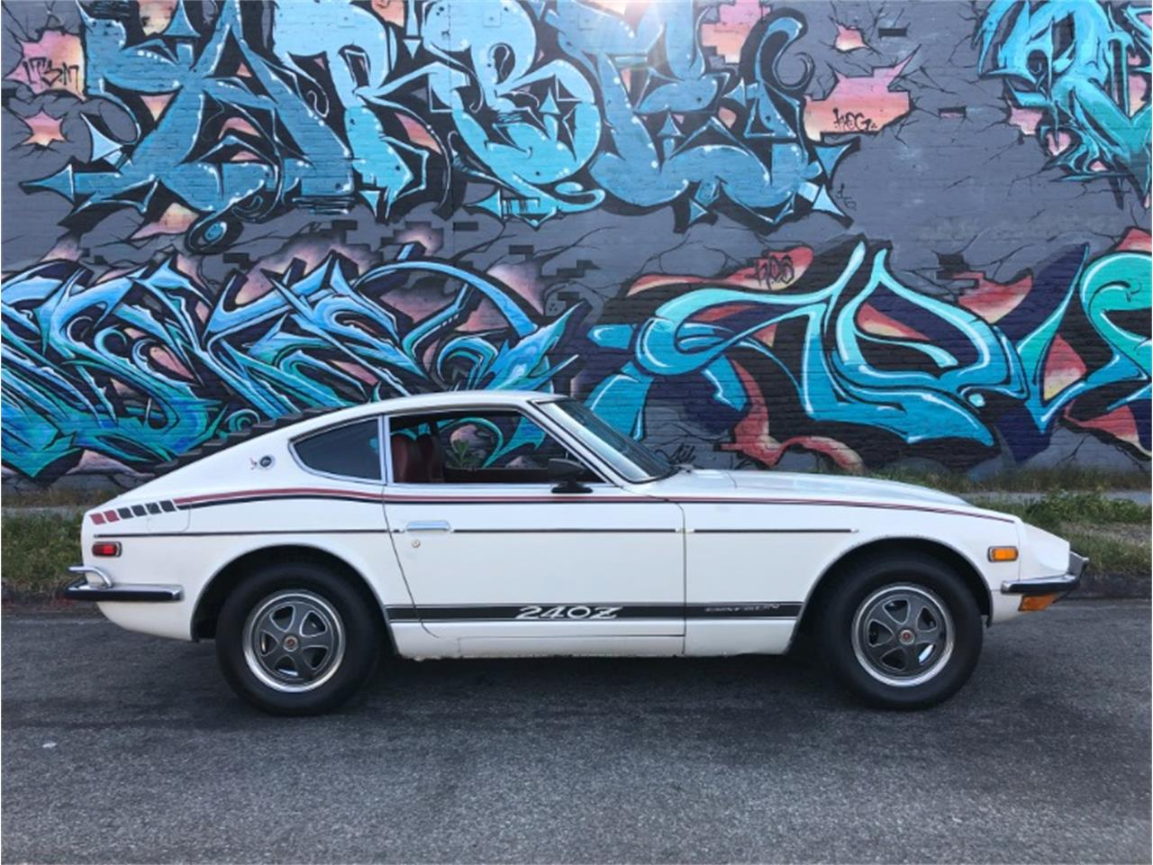 Large Picture of '72 240Z located in California - Q5EA