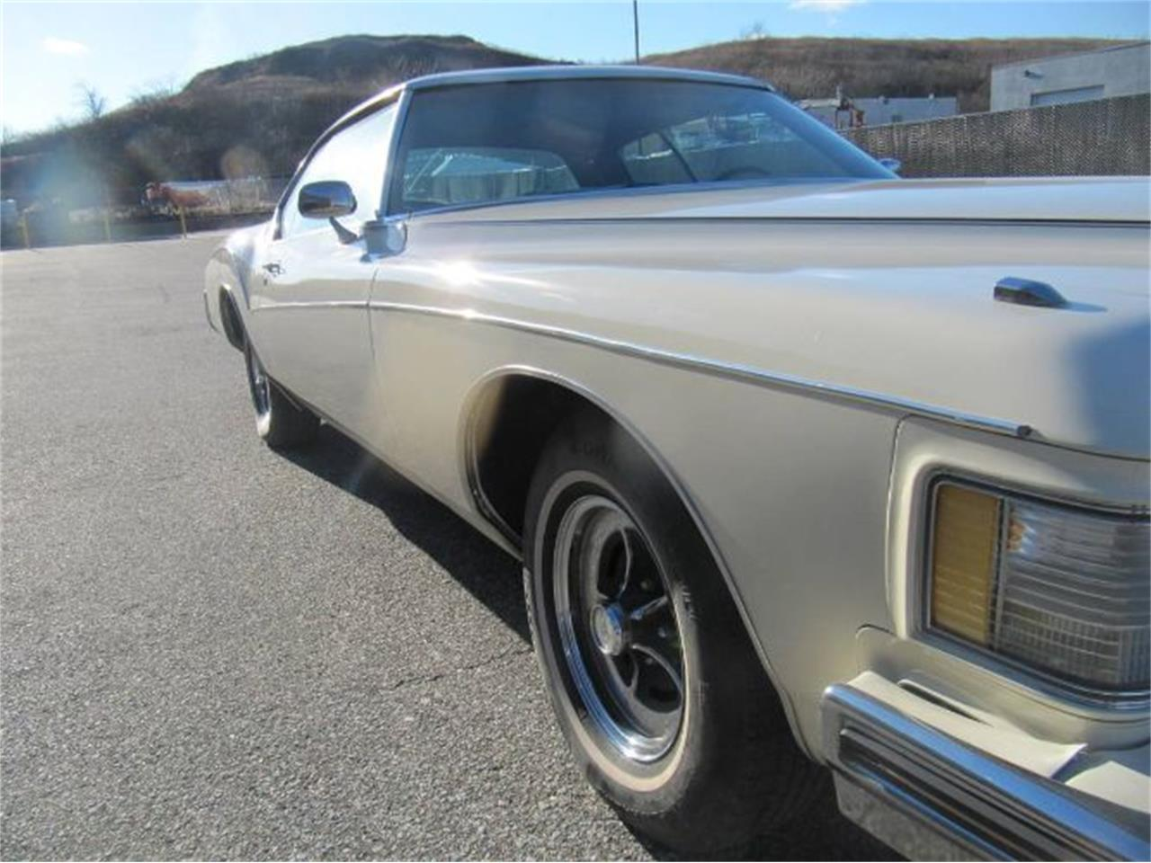 Large Picture of Classic '73 Buick Riviera - $14,995.00 Offered by Classic Car Deals - Q97S