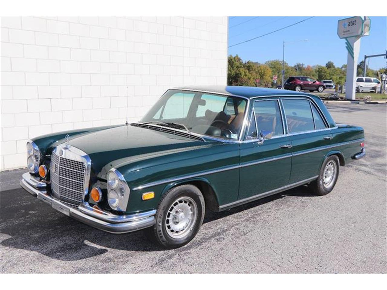 Large Picture of Classic '72 Mercedes-Benz 280SEL located in St Louis Missouri Offered by It's Alive Automotive - Q5QY
