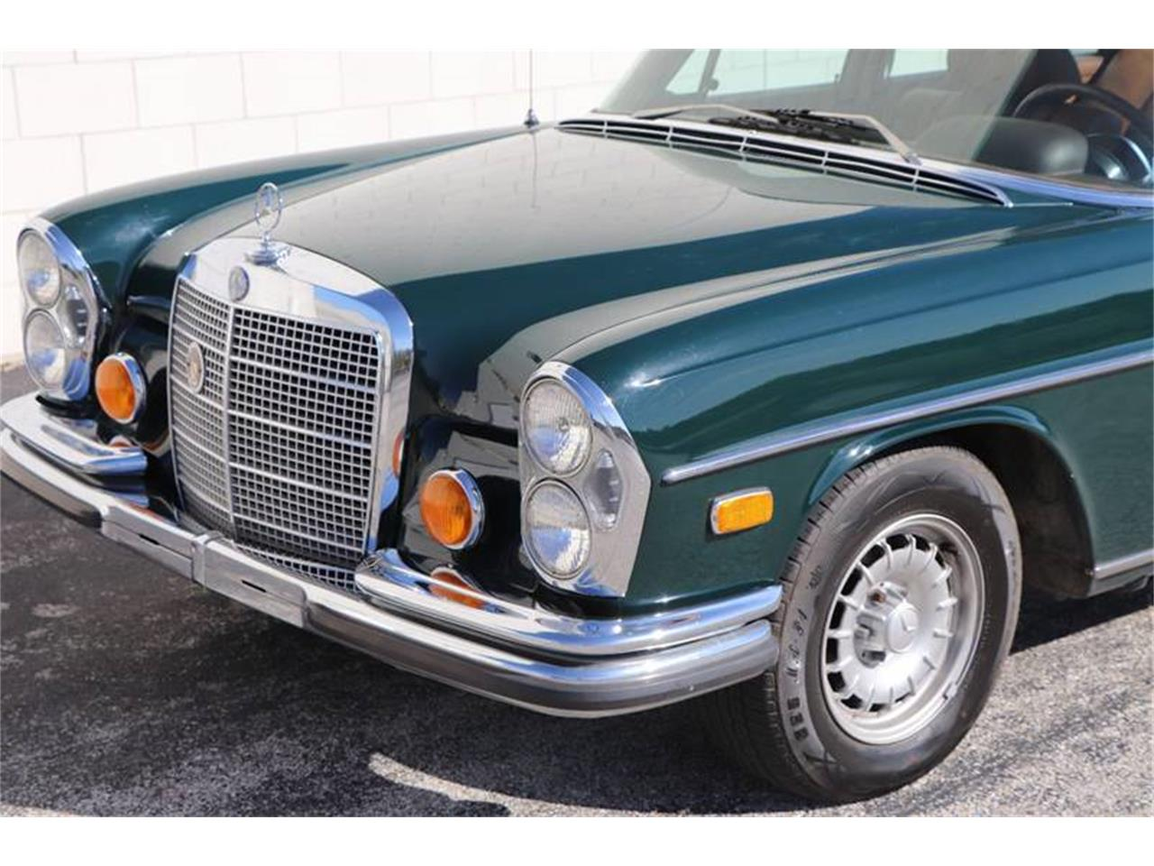 Large Picture of '72 Mercedes-Benz 280SEL located in St Louis Missouri - $21,900.00 - Q5QY