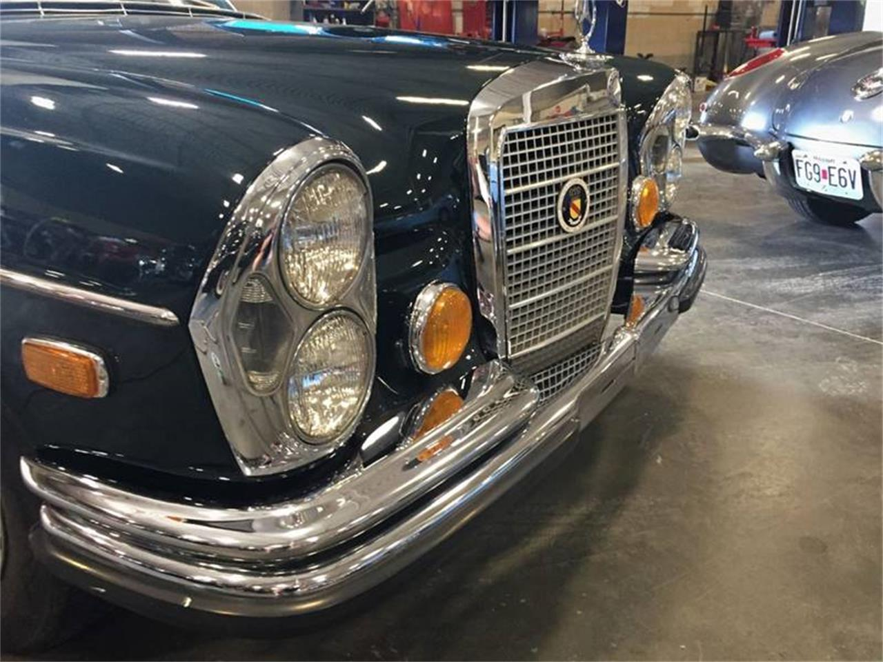 Large Picture of '72 280SEL located in St Louis Missouri - $21,900.00 Offered by It's Alive Automotive - Q5QY