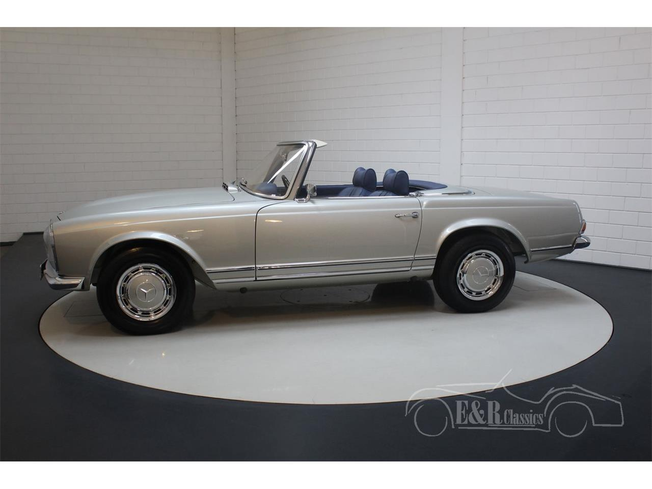 Large Picture of Classic 1969 280SL located in noord brabant - Q9A0