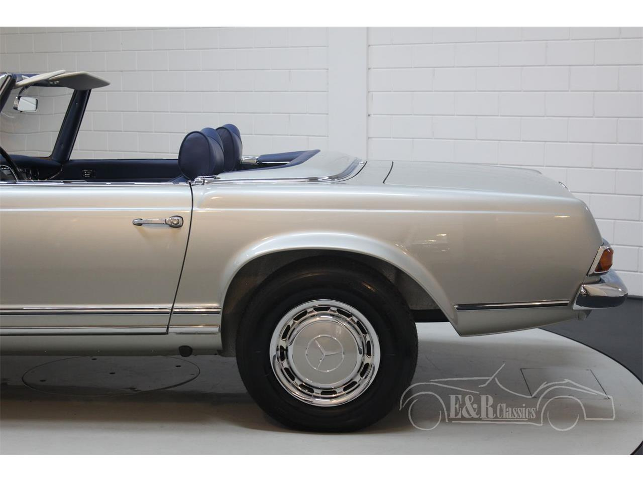 Large Picture of Classic 1969 Mercedes-Benz 280SL Offered by E & R Classics - Q9A0