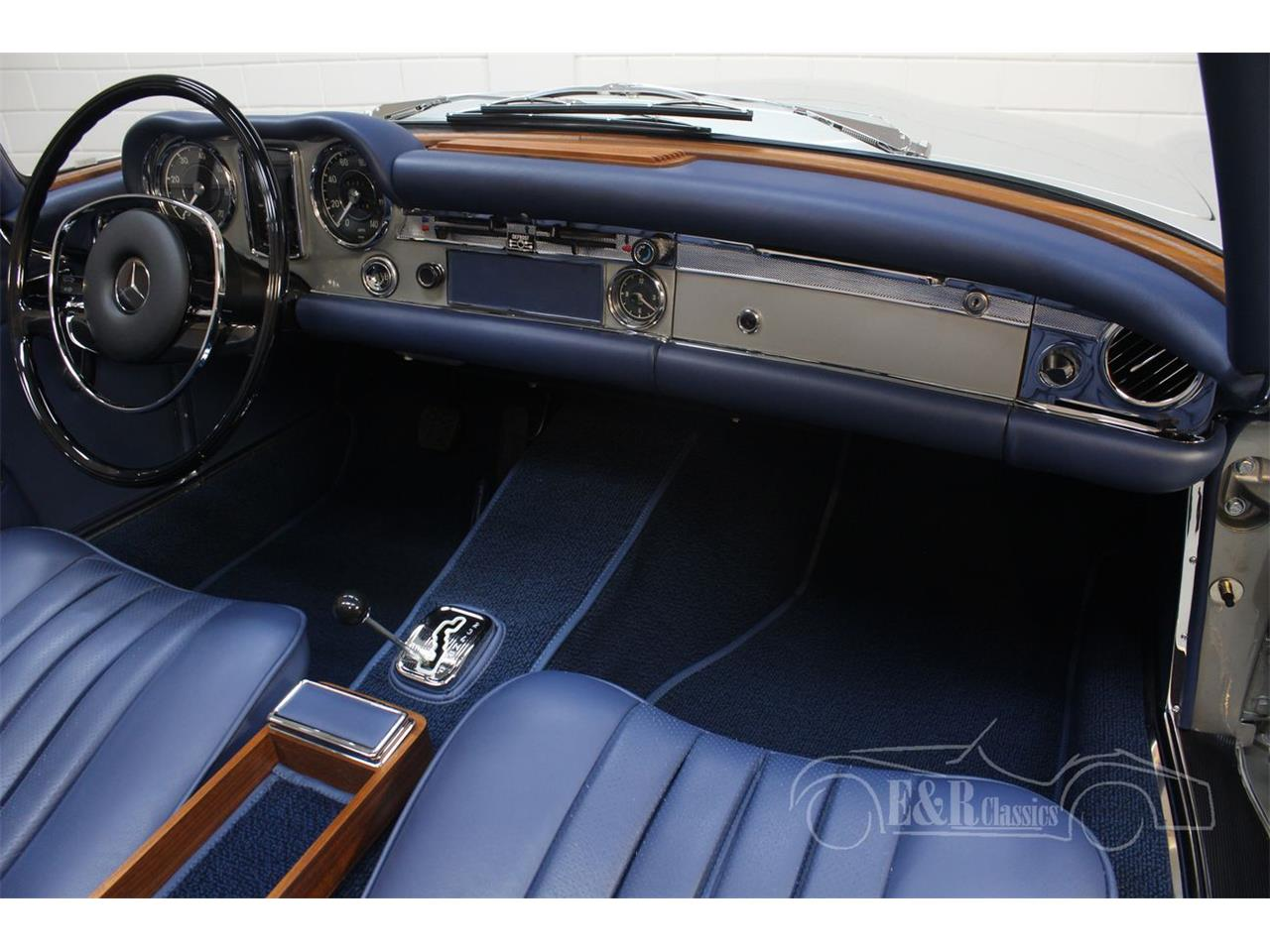 Large Picture of Classic '69 Mercedes-Benz 280SL located in Waalwijk noord brabant - $190,500.00 Offered by E & R Classics - Q9A0
