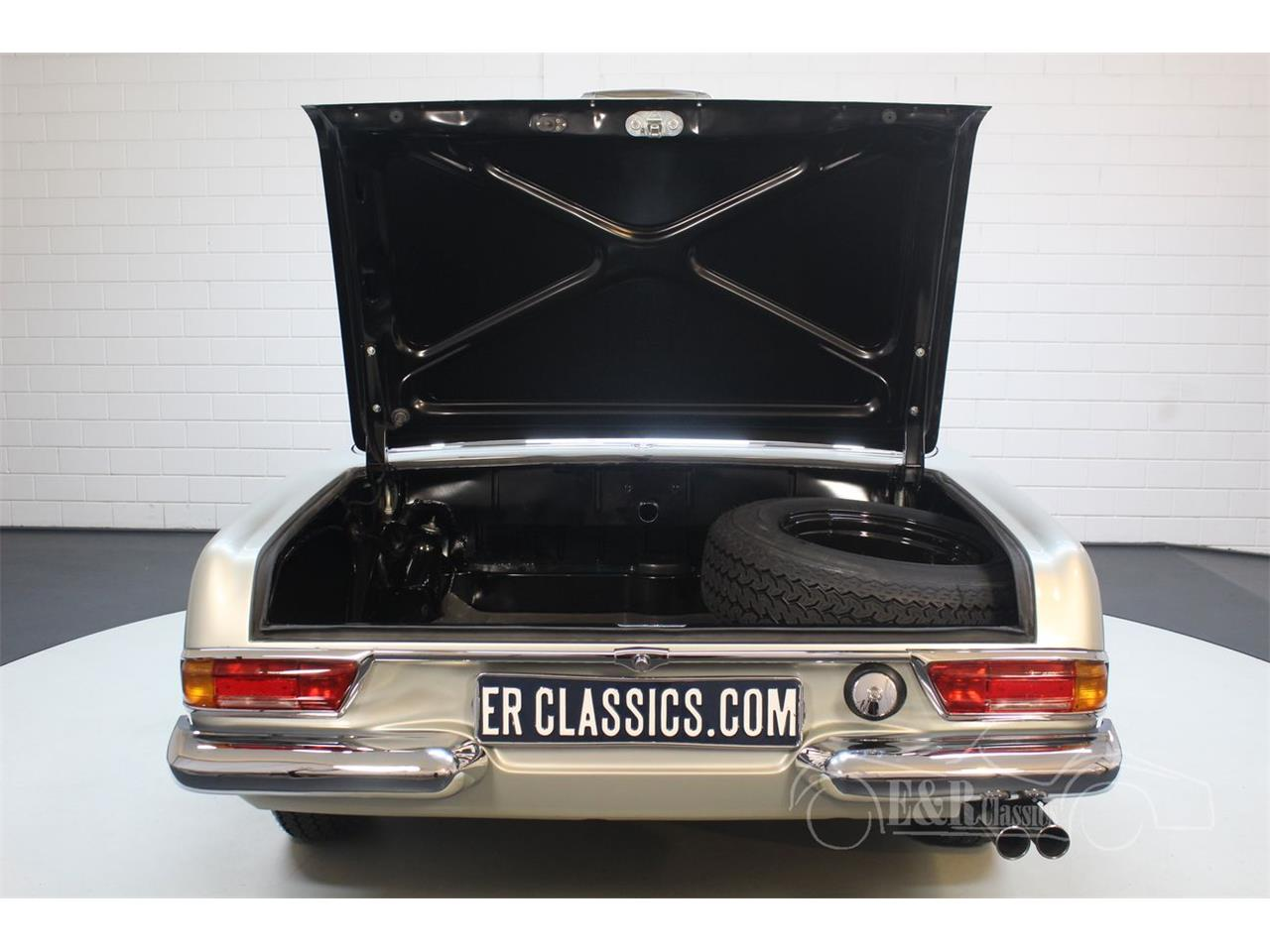 Large Picture of Classic 1969 Mercedes-Benz 280SL located in Waalwijk noord brabant - $190,500.00 - Q9A0