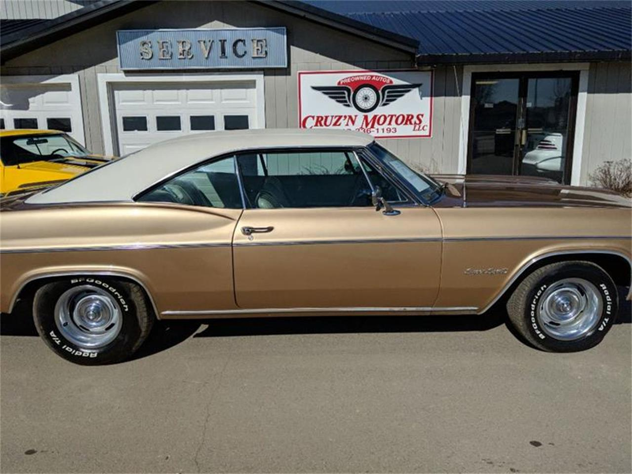 Large Picture of Classic 1966 Chevrolet Impala located in Spirit Lake Iowa - Q5R3