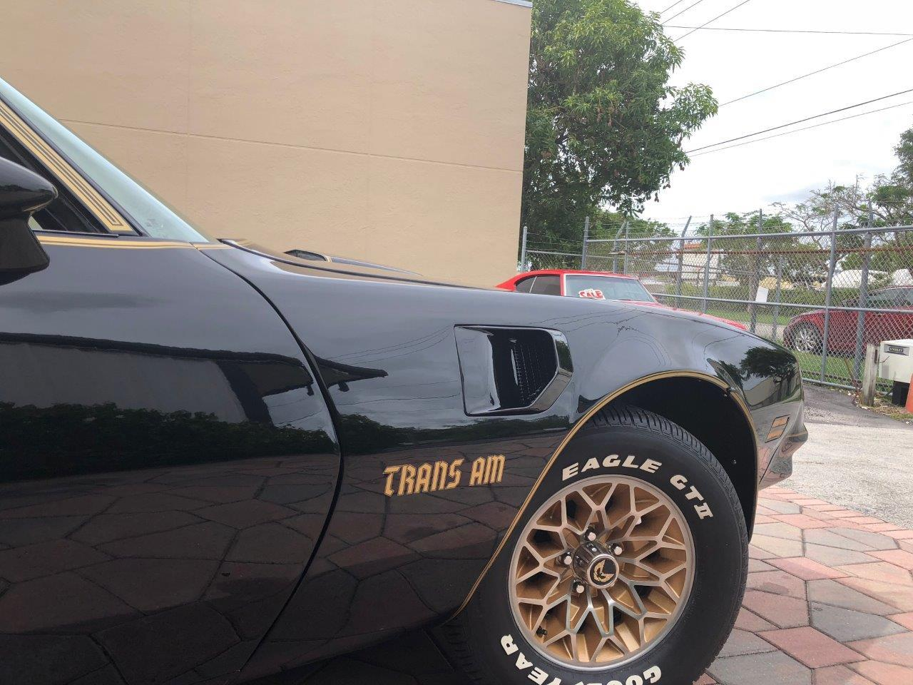 Large Picture of '77 Firebird Trans Am SE - Q9BV