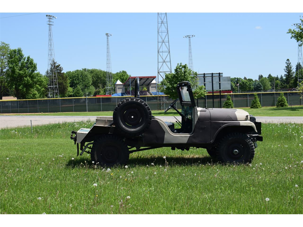 Large Picture of '62 Jeep - Q9CE
