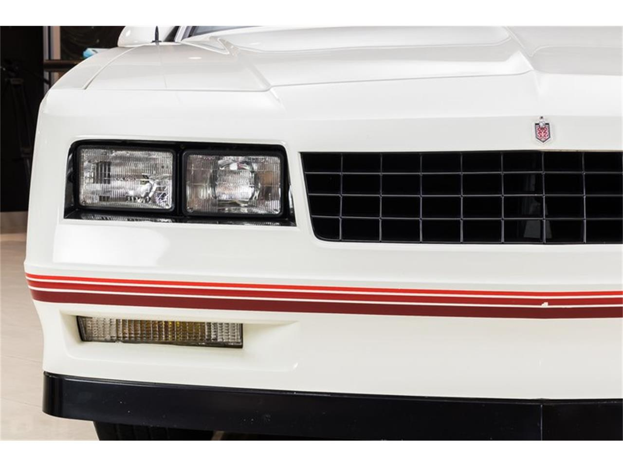 Large Picture of '88 Chevrolet Monte Carlo - Q9DY