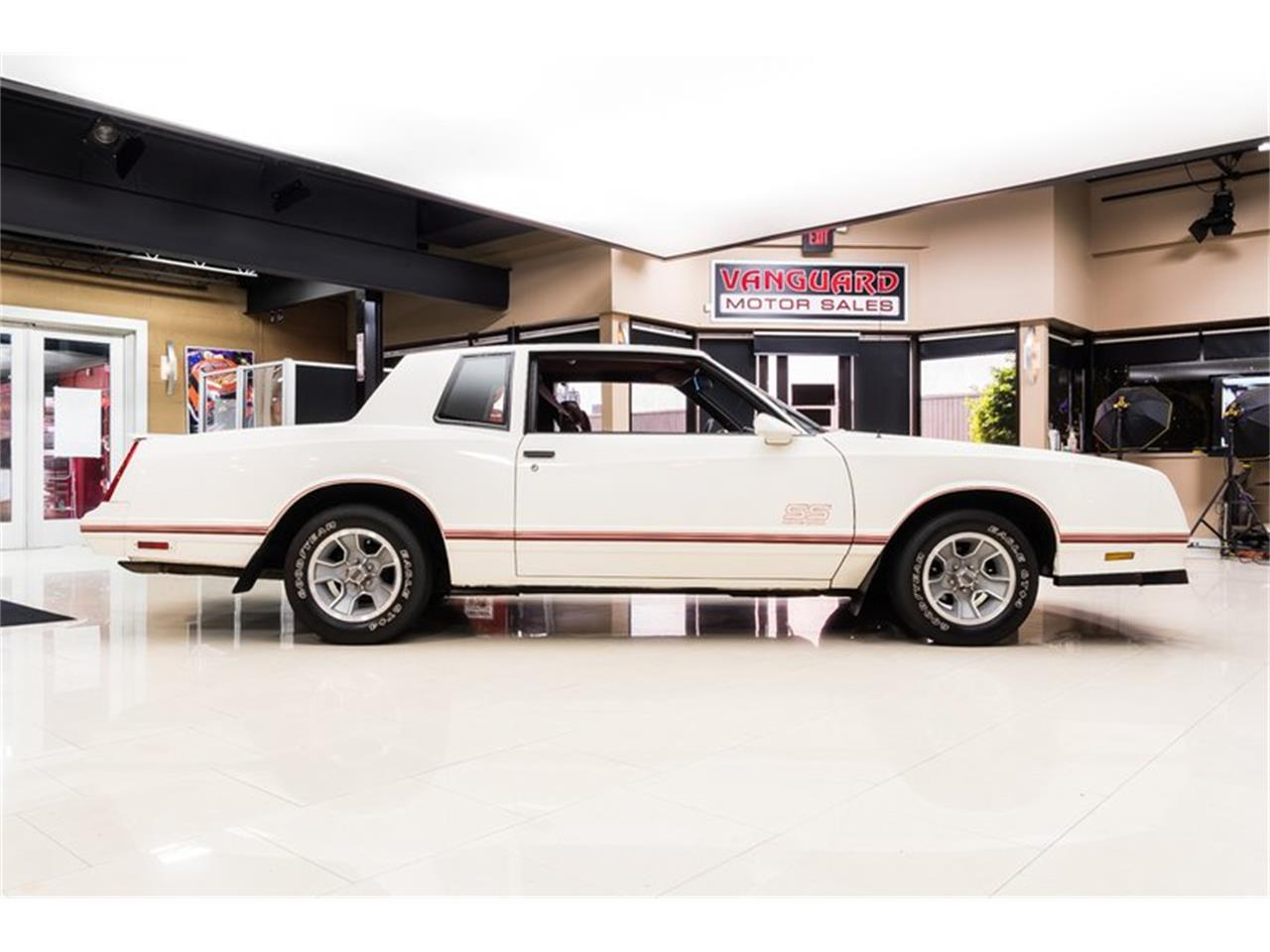 Large Picture of 1988 Chevrolet Monte Carlo Offered by Vanguard Motor Sales - Q9DY