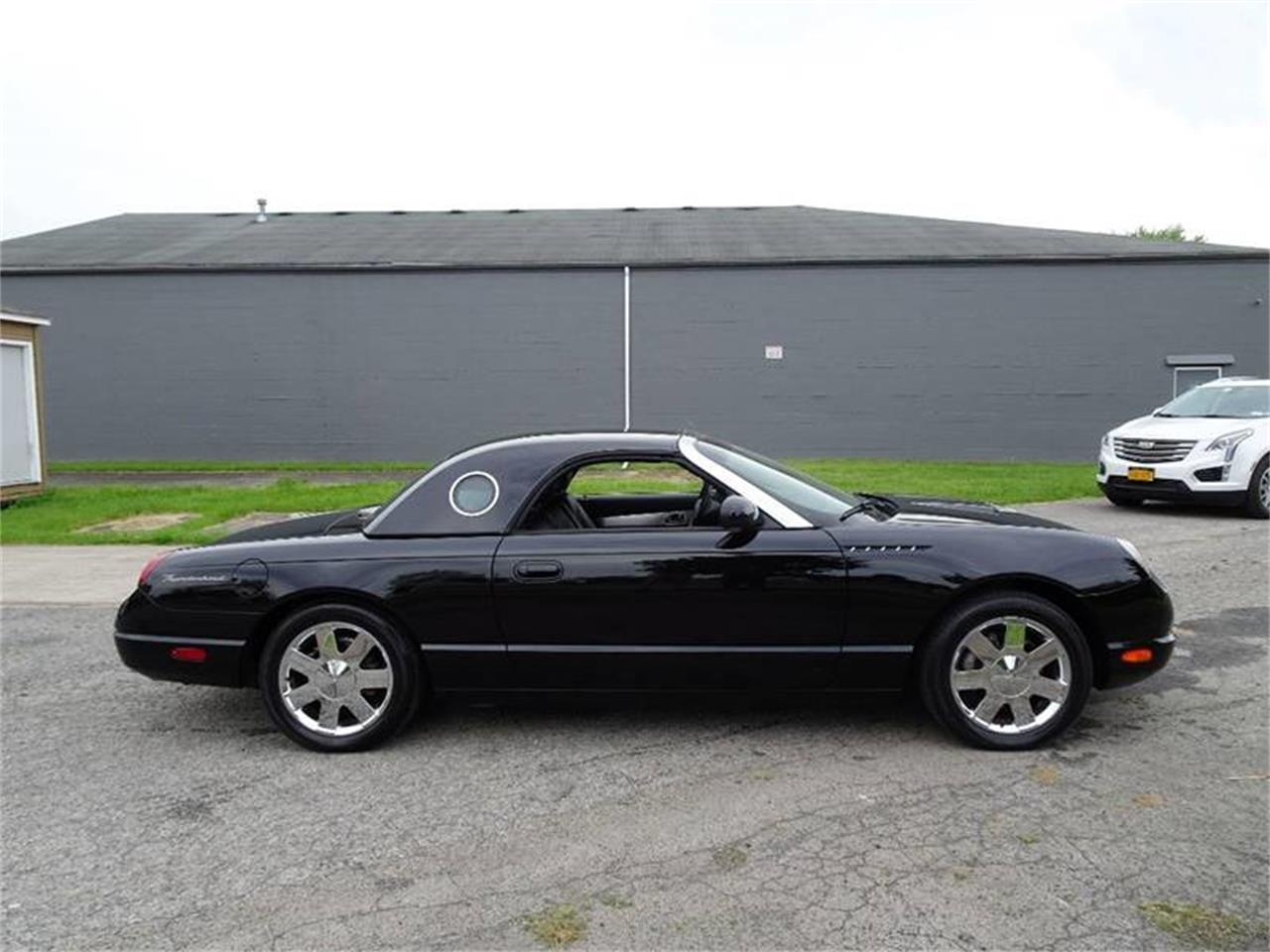 Large Picture of '02 Thunderbird - $22,750.00 - Q9HB
