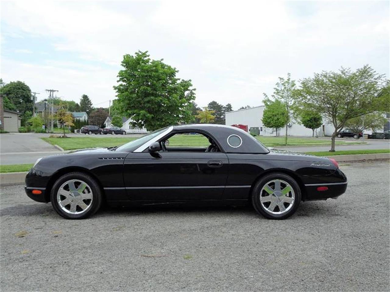 Large Picture of '02 Ford Thunderbird located in New York - $22,750.00 Offered by Great Lakes Classic Cars - Q9HB