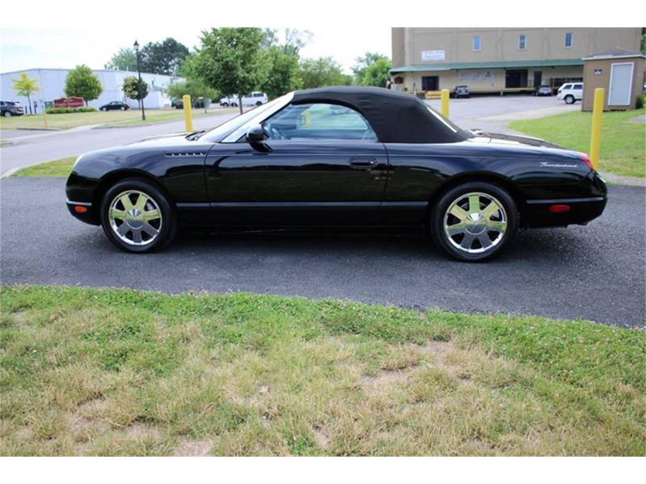 Large Picture of 2002 Thunderbird - Q9HB