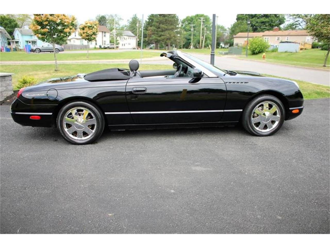 Large Picture of 2002 Thunderbird located in Hilton New York - $22,750.00 - Q9HB