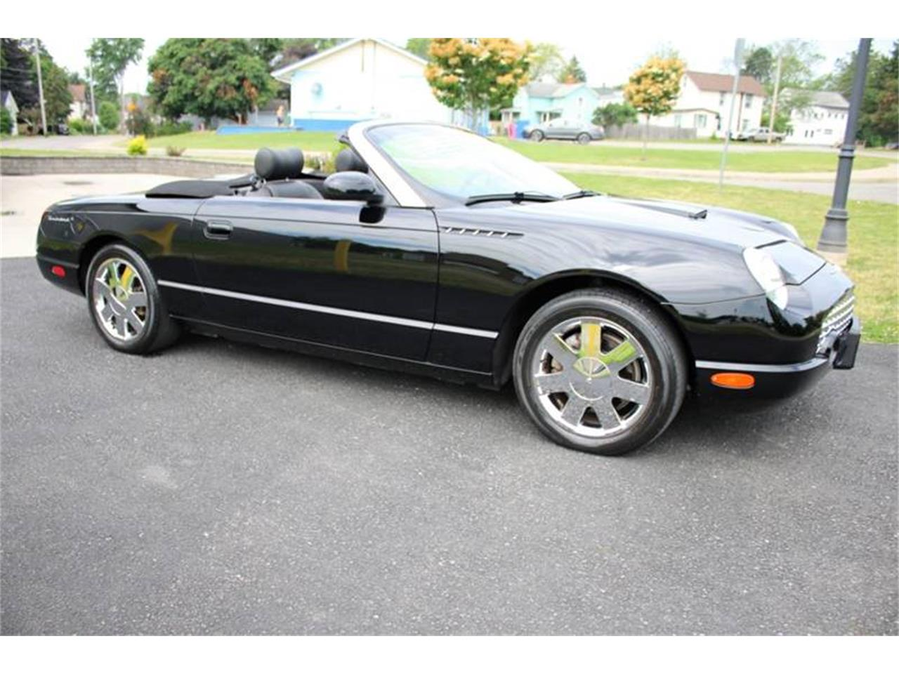 Large Picture of '02 Ford Thunderbird - Q9HB