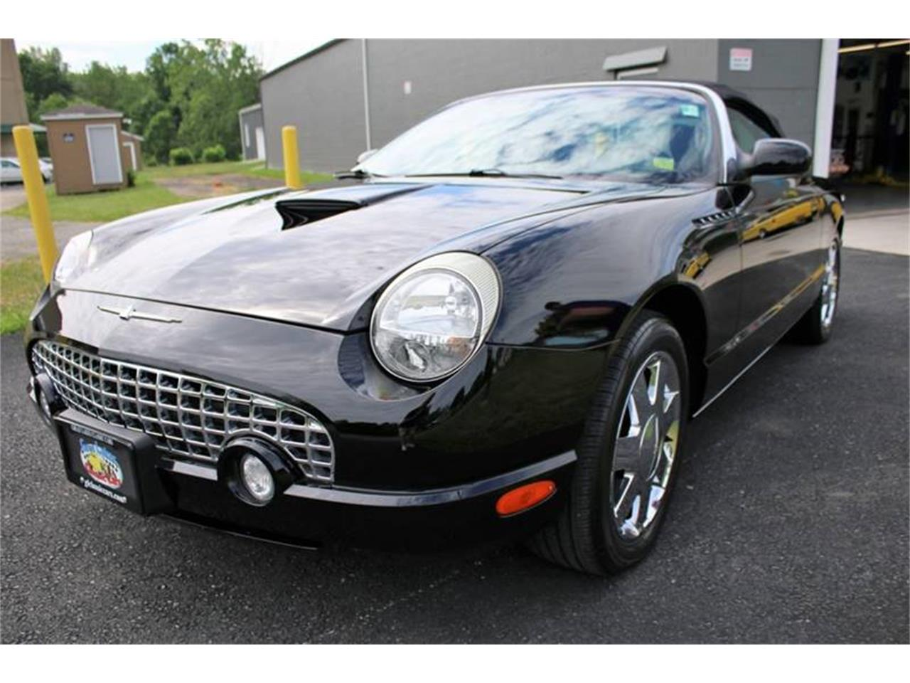 Large Picture of '02 Ford Thunderbird located in Hilton New York - $22,750.00 - Q9HB