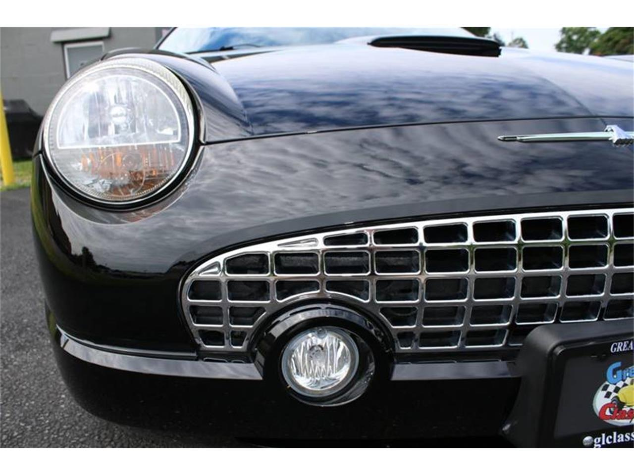 Large Picture of 2002 Thunderbird located in Hilton New York - $22,750.00 Offered by Great Lakes Classic Cars - Q9HB