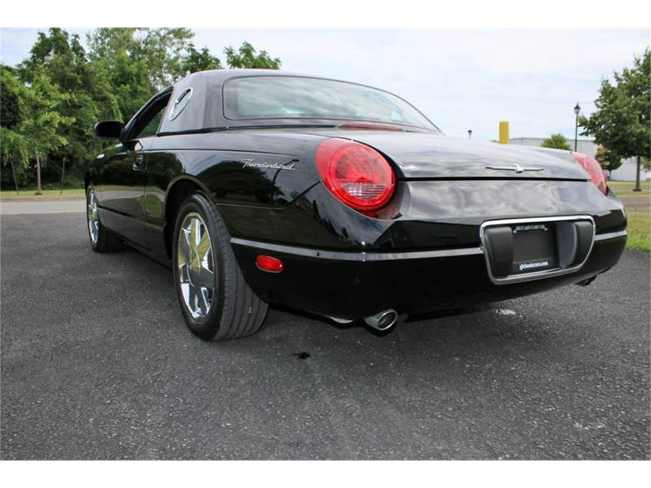 Large Picture of 2002 Ford Thunderbird located in Hilton New York - Q9HB