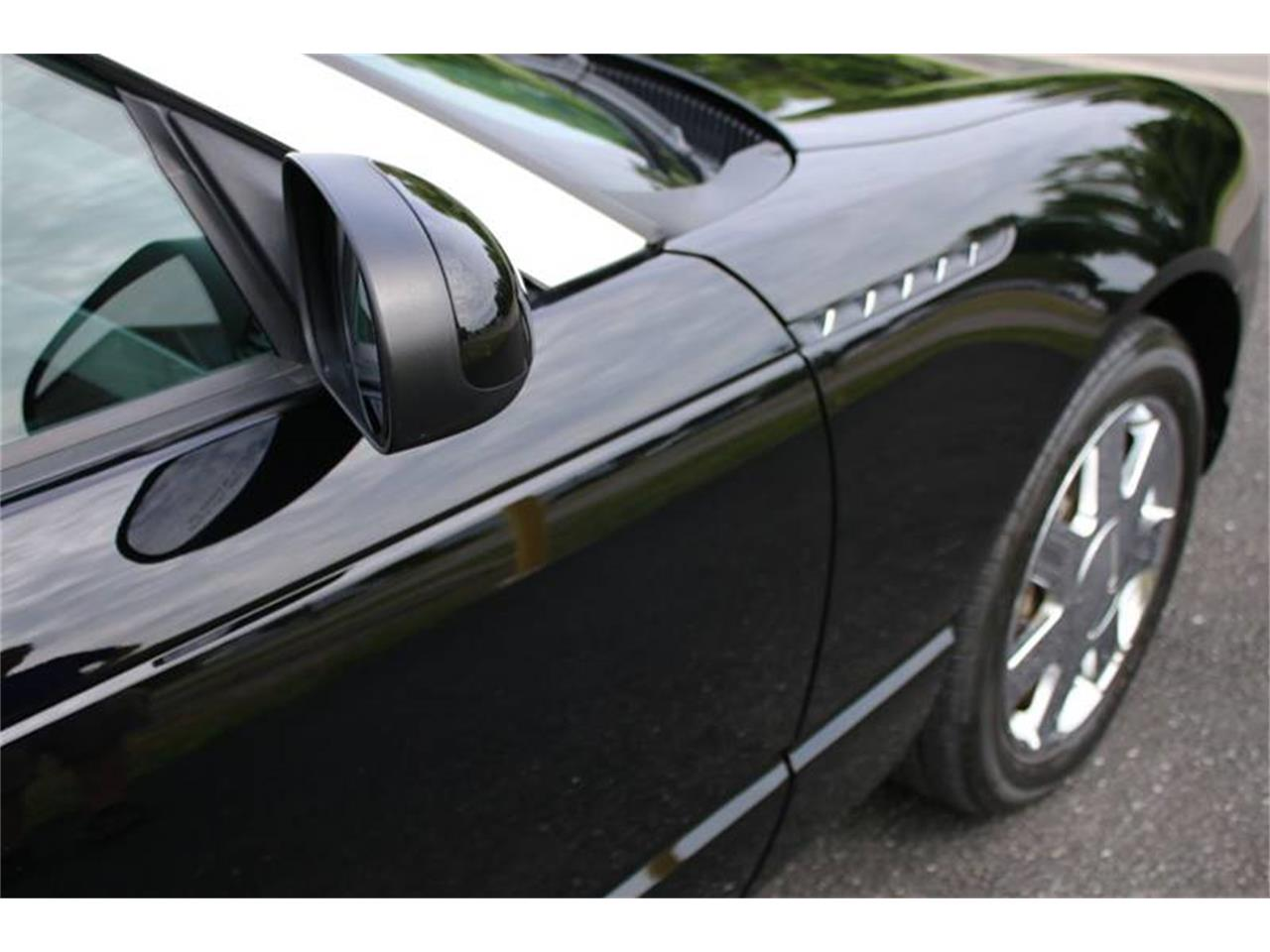 Large Picture of 2002 Ford Thunderbird located in New York - Q9HB