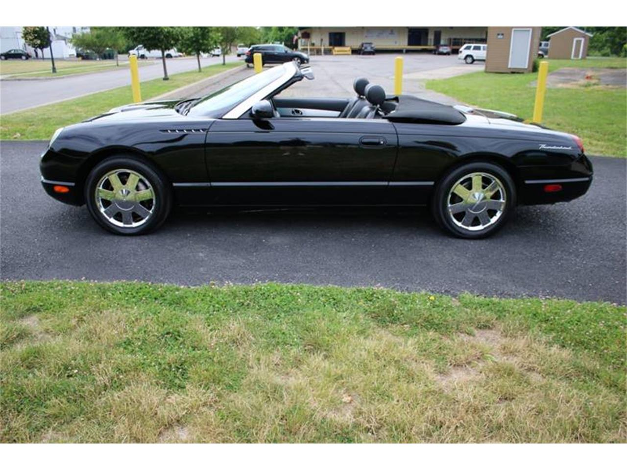 Large Picture of 2002 Ford Thunderbird located in New York Offered by Great Lakes Classic Cars - Q9HB
