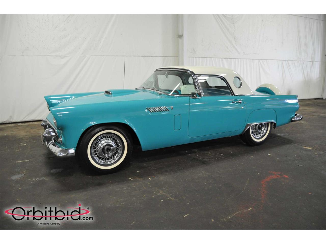 Large Picture of '56 Thunderbird - Q5RT
