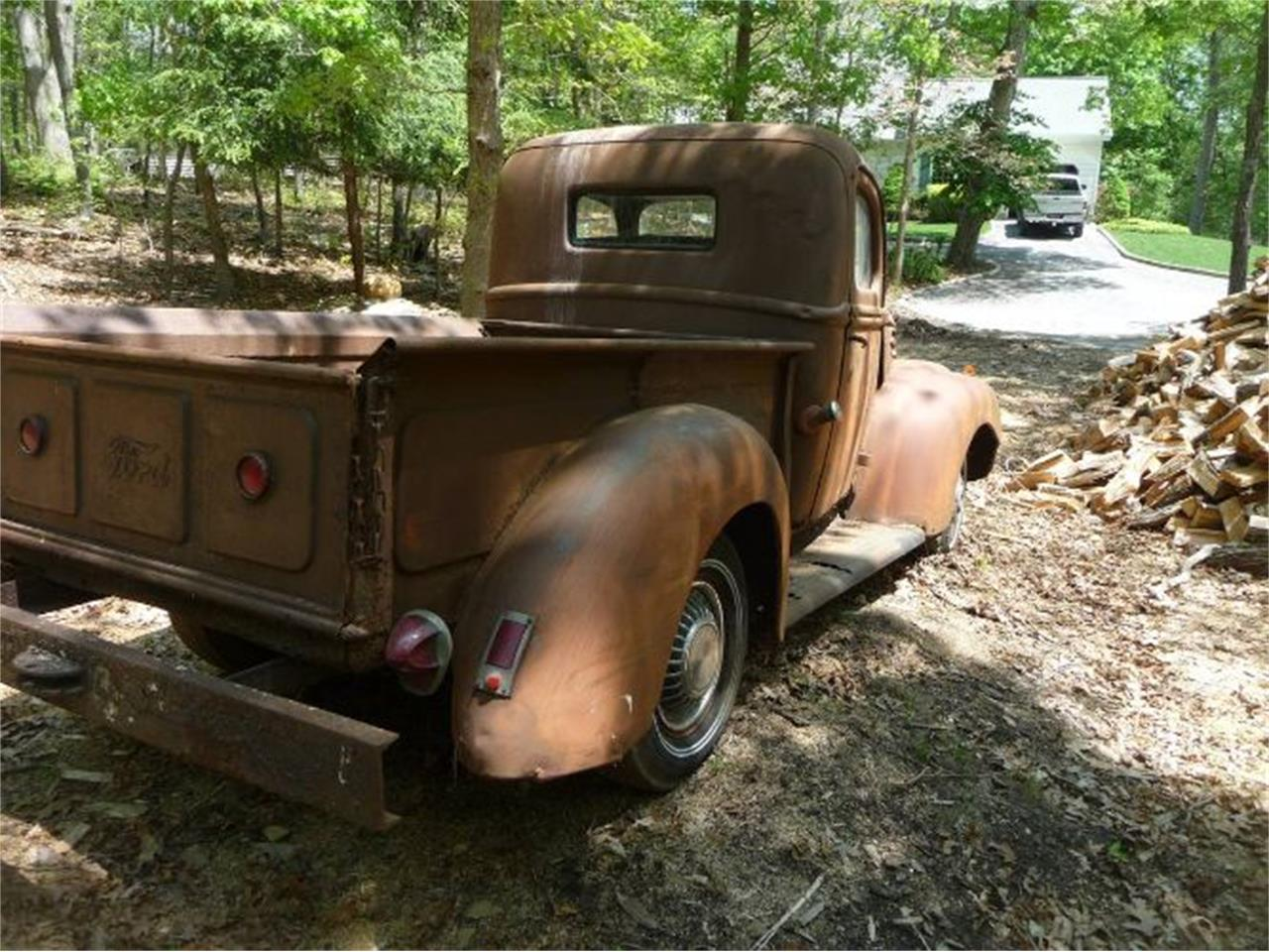 Large Picture of '47 Ford Pickup - Q9J1