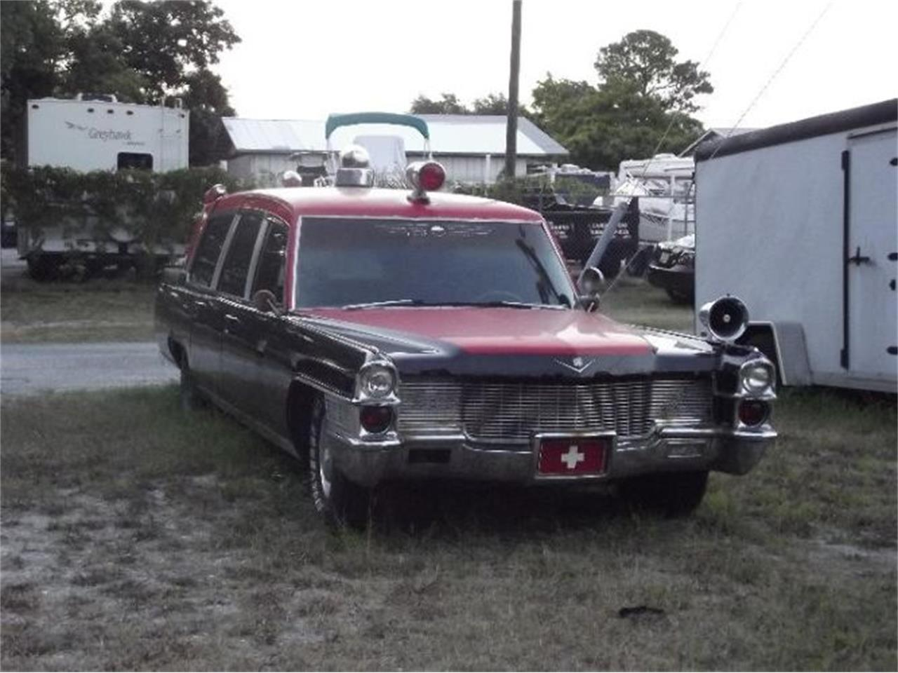 Large Picture of '65 Fleetwood - Q9KJ