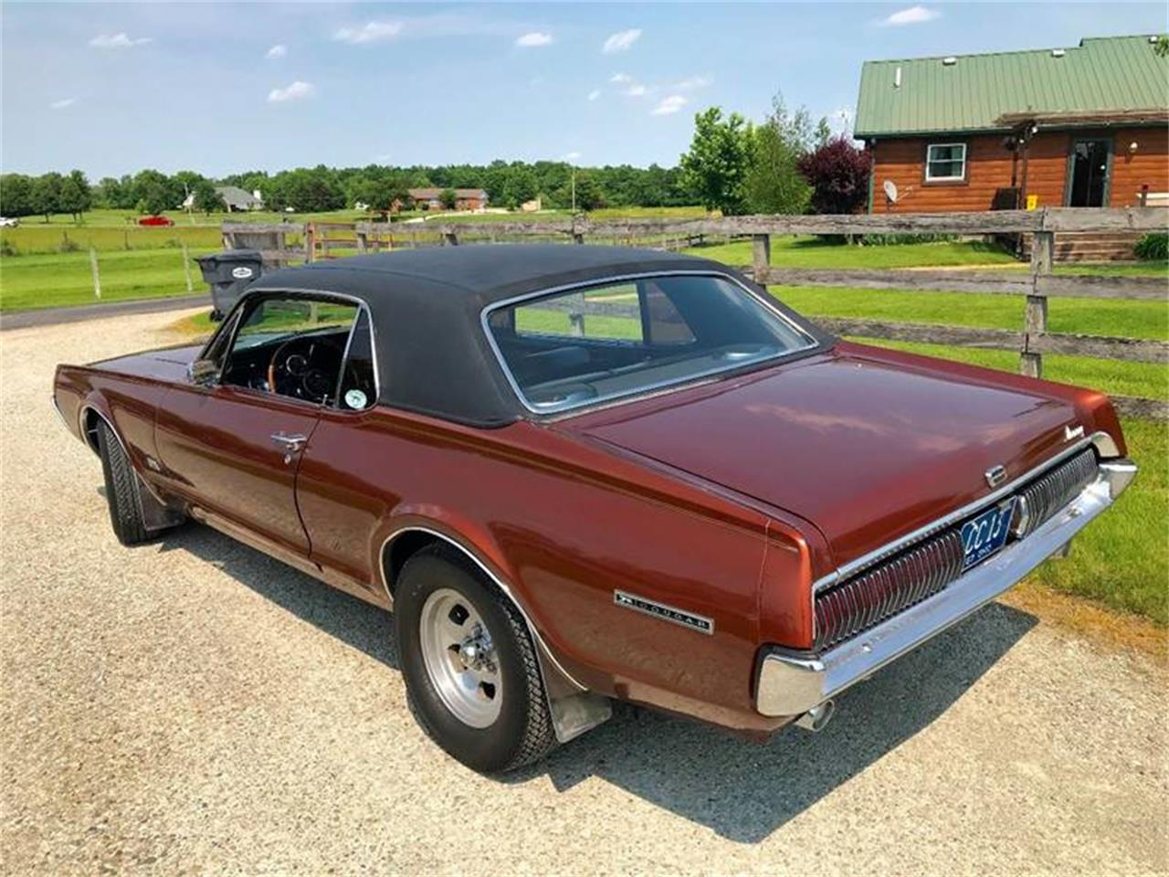Large Picture of Classic 1967 Mercury Cougar located in Knightstown Indiana - Q9KW