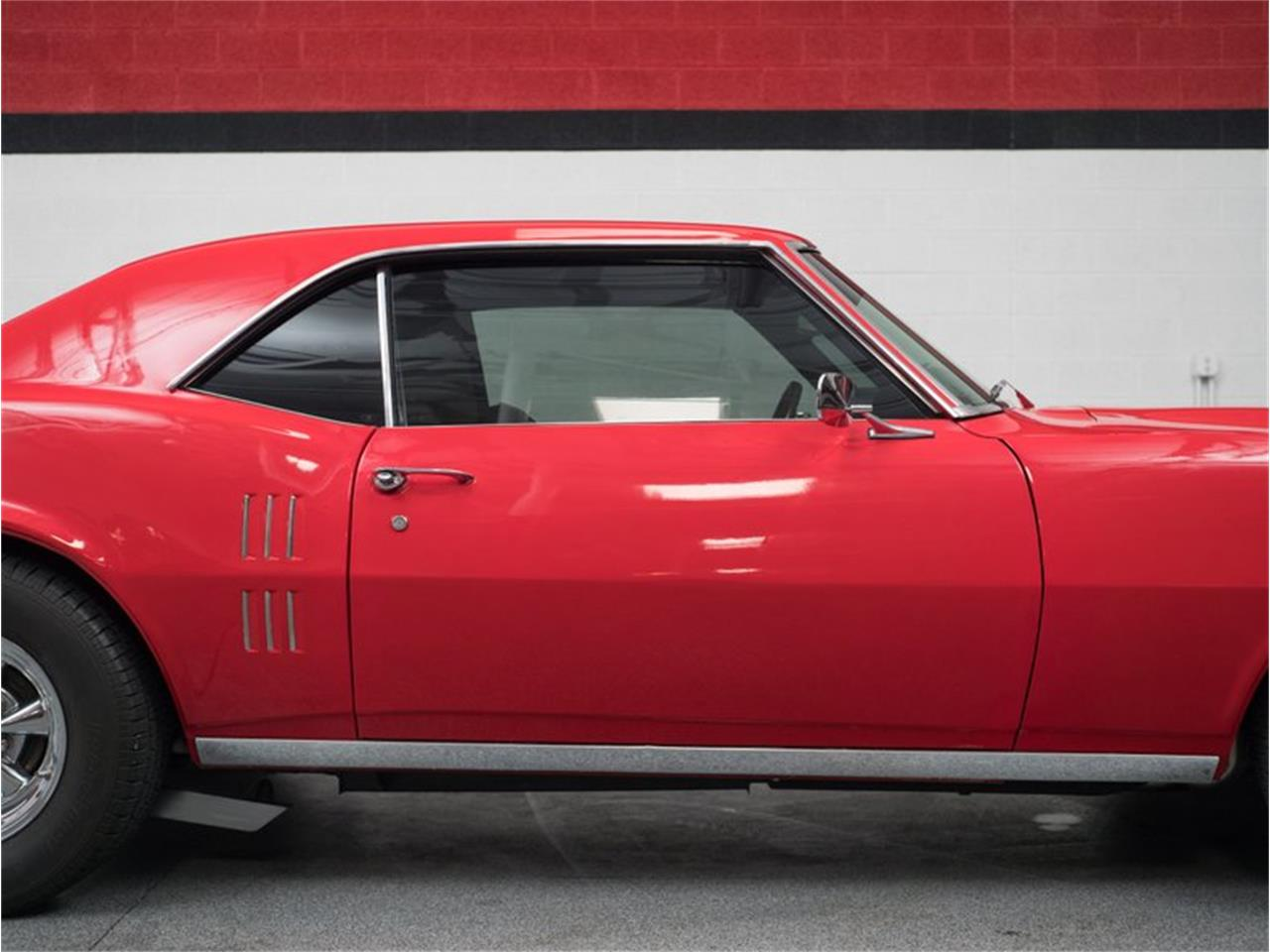 Large Picture of Classic 1968 Firebird - Q9L0
