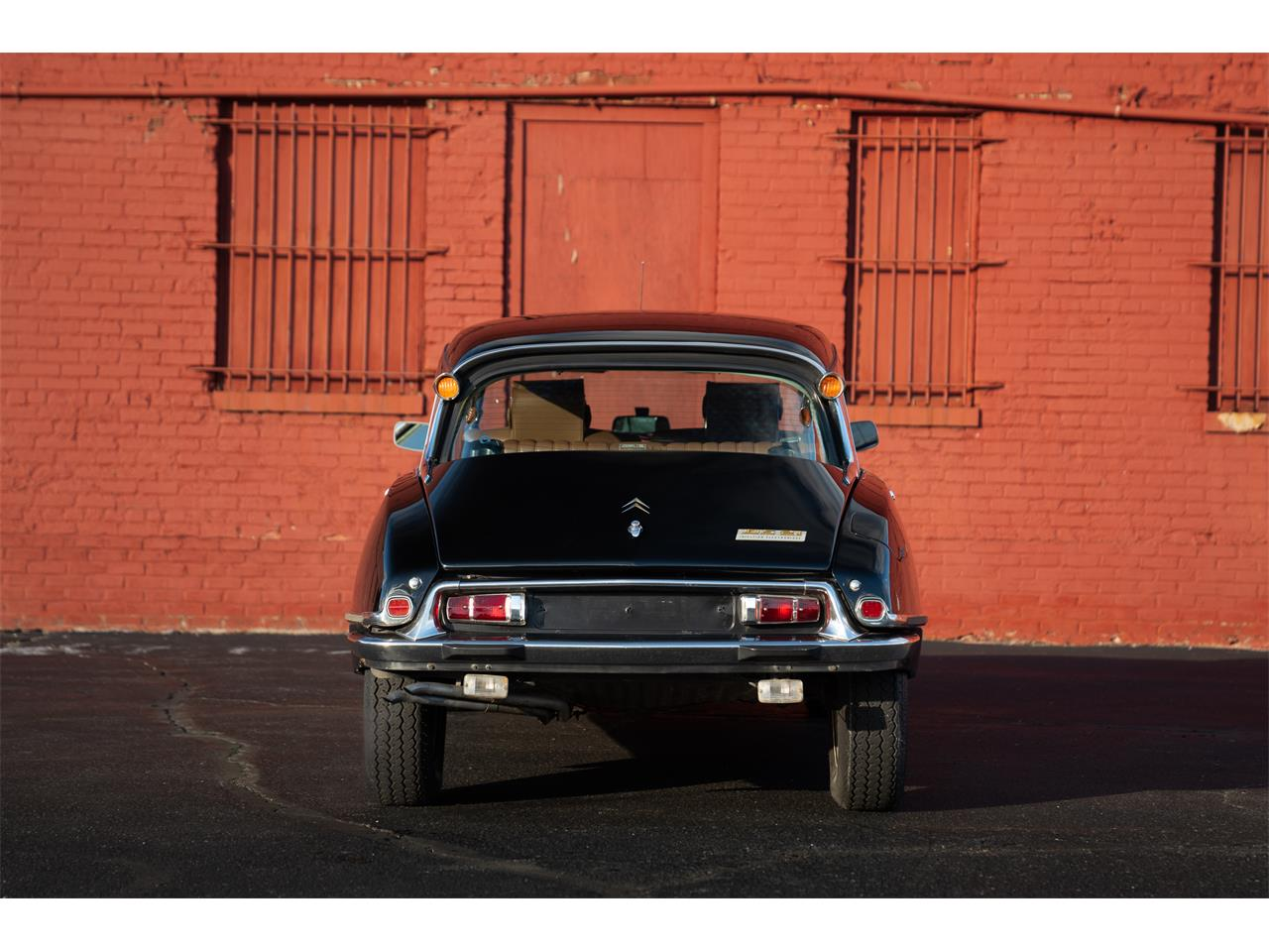 Large Picture of '72 DS21 Pallas - Q5S7