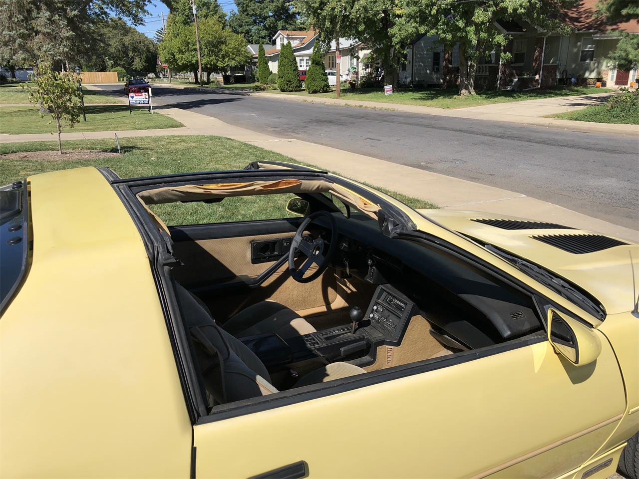 Large Picture of '86 Camaro IROC Z28 - Q9SC