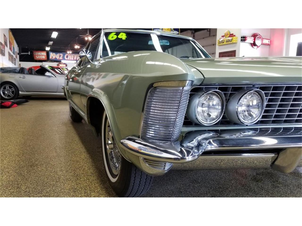 Large Picture of '64 Riviera - Q9TI