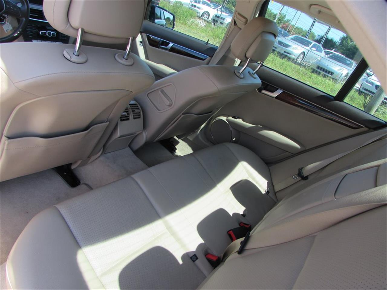 Large Picture of '14 C-Class - Q9WM