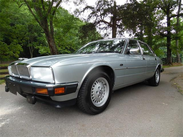 Picture of '92 XJ6 - Q9Y5