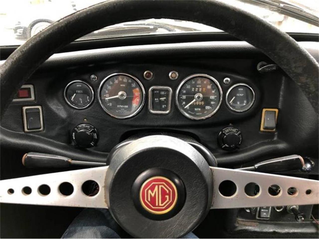 Large Picture of '70 MGB GT - Q5EK